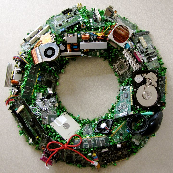 The Perfect Wreath For Computer Hardware Geeks Global Geek News