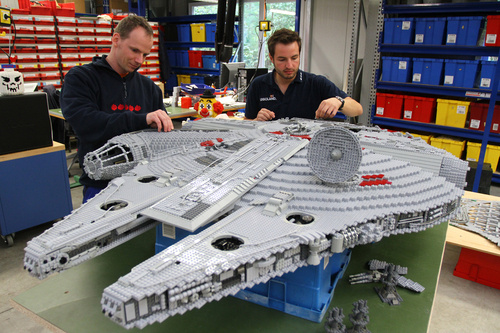 Star Wars Millenium Falcon LEGO