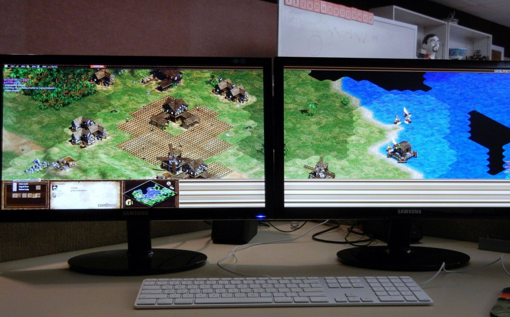 Age of Empires 2 played on dual monitors at 3840*1080