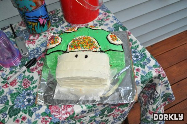 Super Mario Bros 1-Up Mushroom Cake