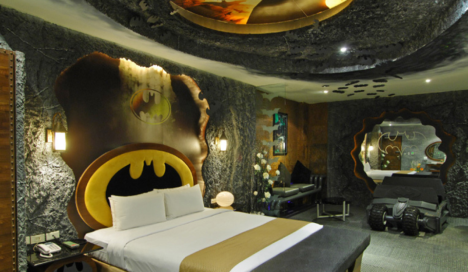 Batman hotel room is the coolest hotel room ever [pics ...