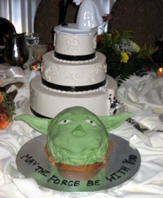 Yoda wedding cake
