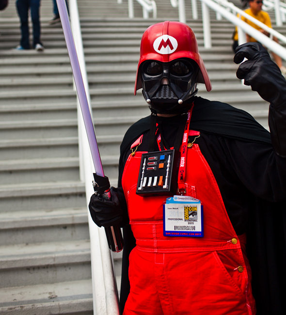 Darth Vader in Super Mario Bros Cosplay
