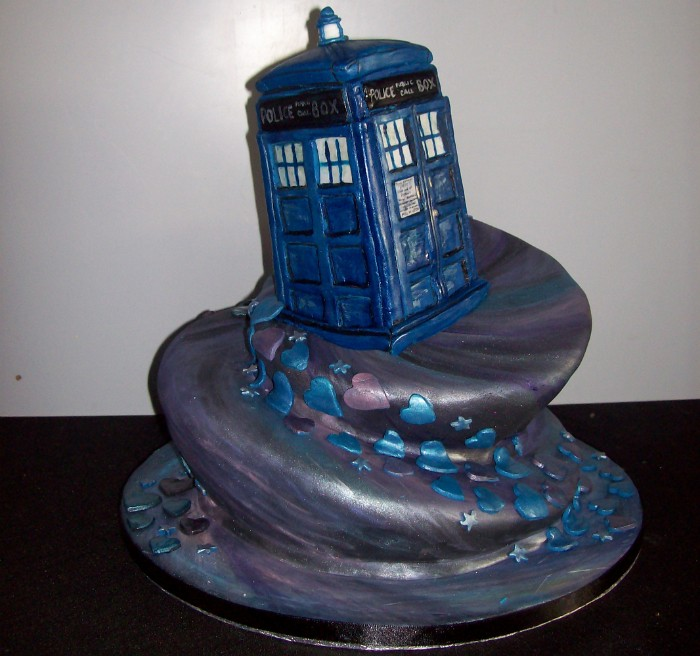 Doctor-Who-TARDIS-Cake.jpeg