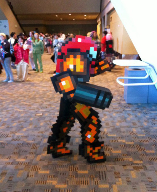 Pixelated Samus Cosplay