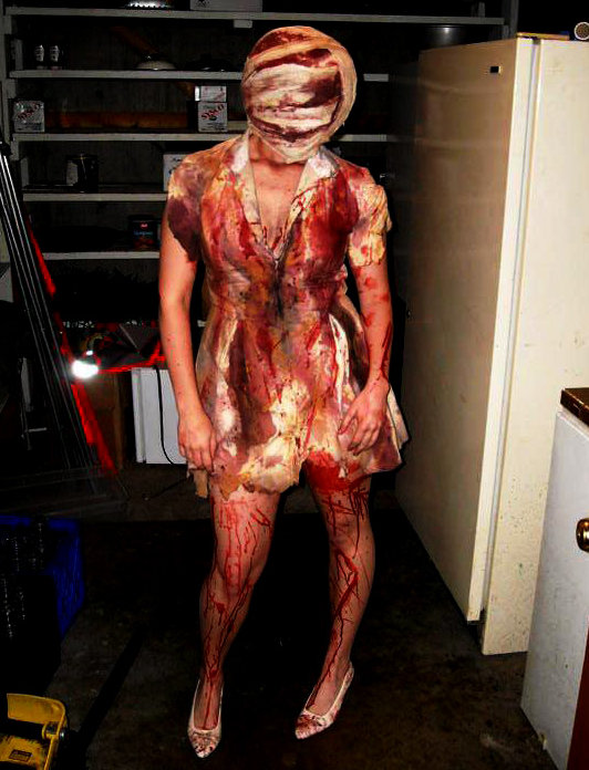 Silent Hill Bubble Head Nurse Cosplay