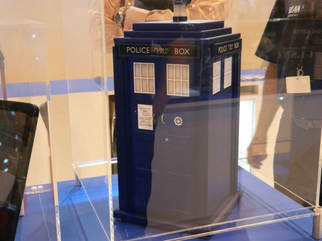 Doctor Who TARDIS PC Case Mod