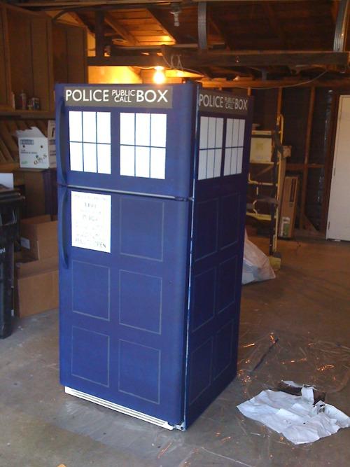 Doctor Who TARDIS Refrigerator