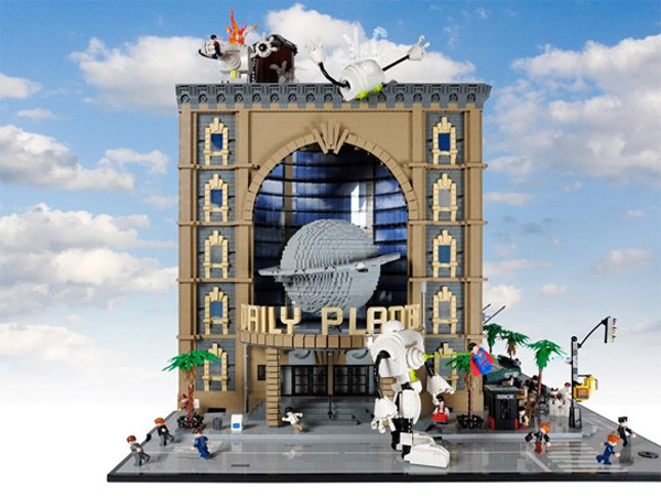 LEGO Daily Planet Front