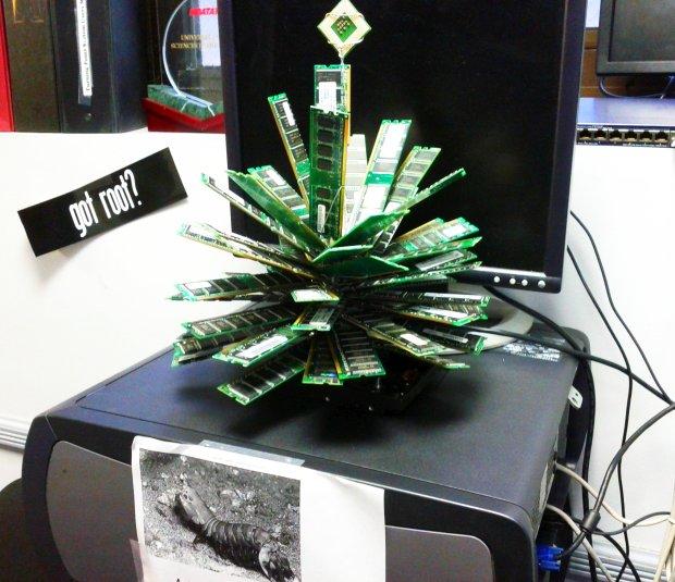 Christmas Tree Made of RAM Sticks and a CPU