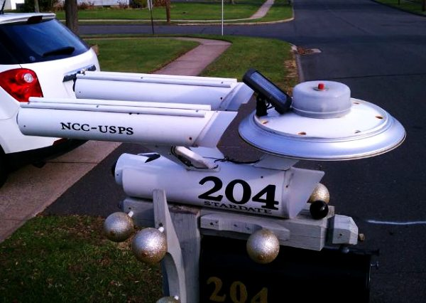 NCC-USPS Solar Powered Star Trek Mailbox