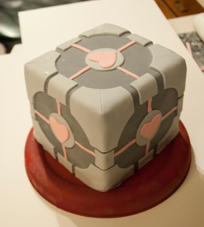 Portal Companion Cube Cake by Highborntalon