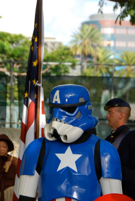 Stormtrooper in Captain America Cosplay