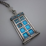 Doctor Who TARDIS Necklace [pic]