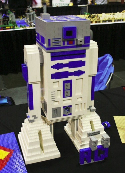 LEGO R2-D2 at MEGACON 2012