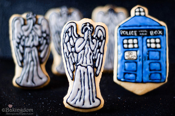 TARDIS and Weeping Angel Doctor Who Cookies