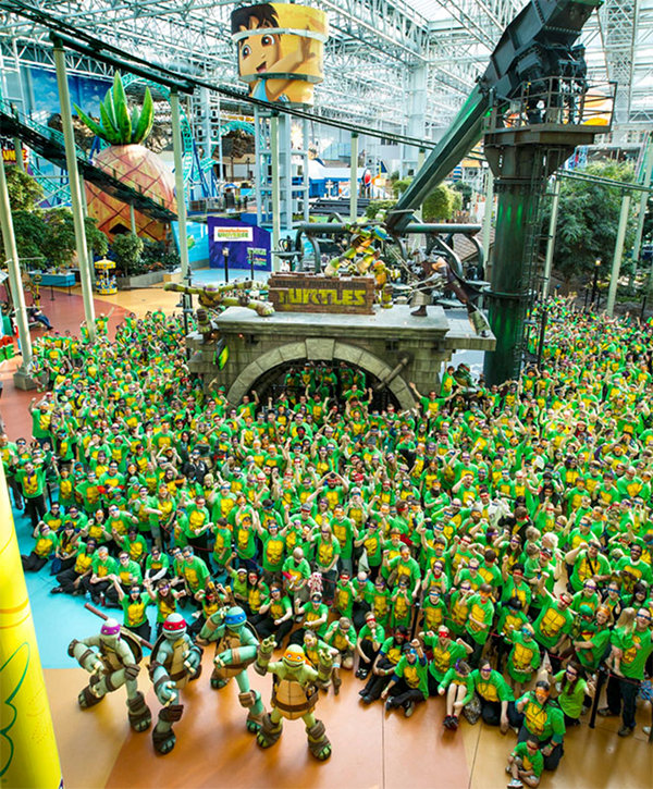 A World Record 836 TMNT Cosplayers in One Room