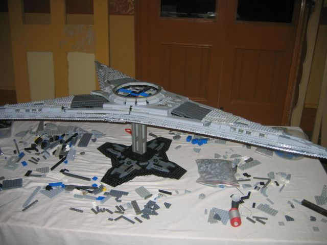 LEGO Battlestar Galactica Cylon Basestar