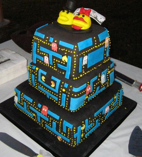 Pac-Man 3 Tier Wedding Cake
