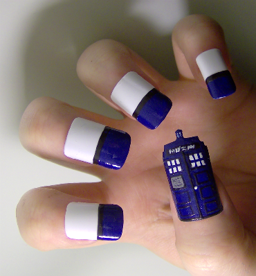 Doctor Who TARDIS Fingernail Art
