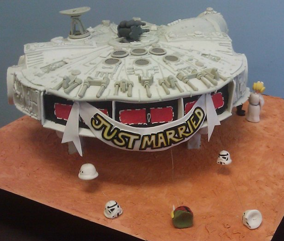 Star Wars Millennium Falcon Wedding Cake Back