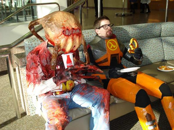Dr. Gordon Freeman and Headcrab Guy Half Life Cosplay