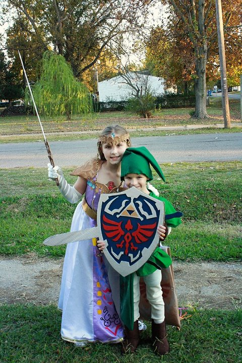 Legend of Zelda Link and Princess Zelda Kid Cosplay