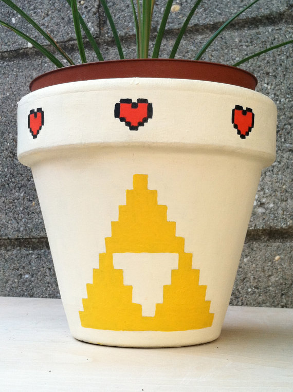 Legend of Zelda Triforce Flower Pot Back