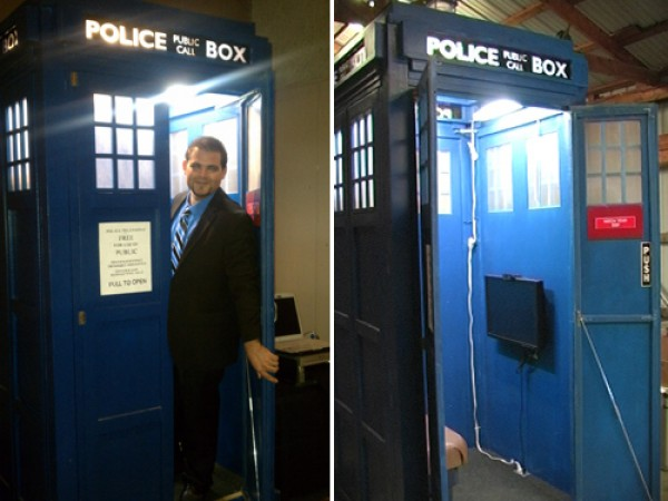 Portable Doctor Who TARDIS Photo Booth