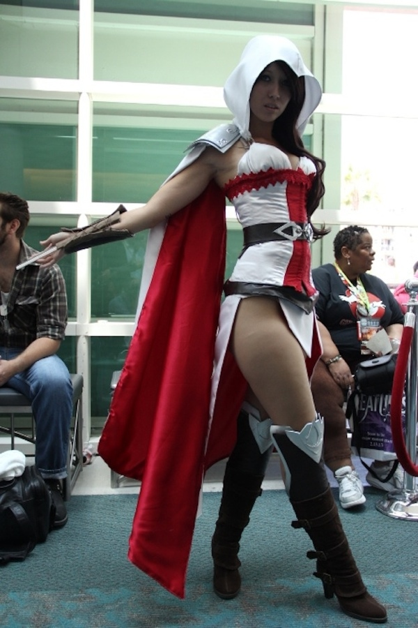 Female Assassins Creed Cosplay