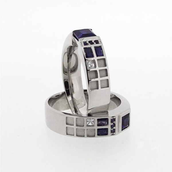A Fantastic TARDIS Wedding Ring For Doctor Who Fans pic Global