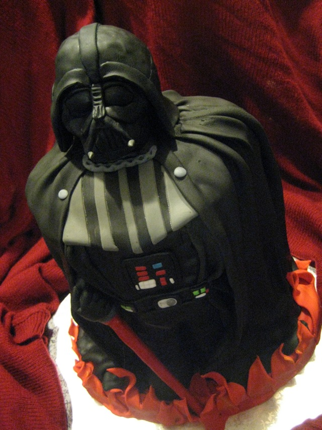 Happy birthday Jerewan Star-Wars-Darth-Vader-Cake