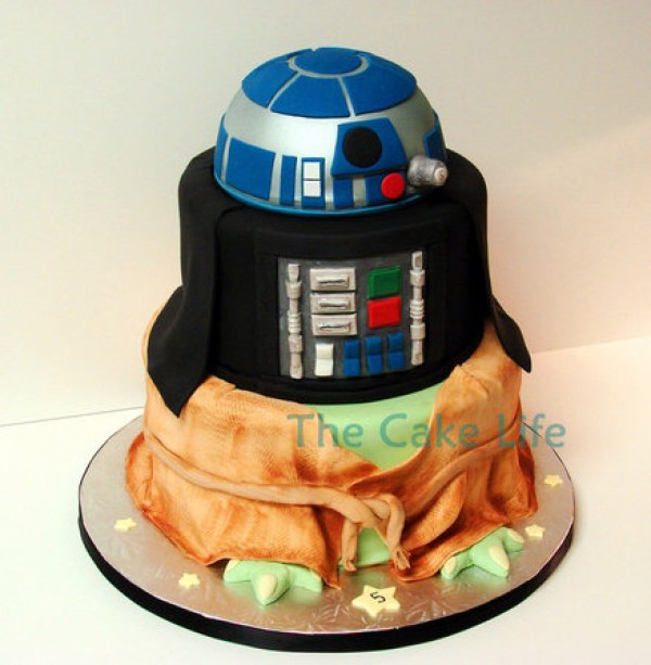 Star Wars Yoda, Darth Vader and R2-D2 Mashup Cake
