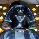Let the Power of the Dark Side Flow Throw You With This Darth Vader Cake [pic]