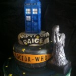Awesome Doctor Who Weeping Angel Birthday Cake [pic]