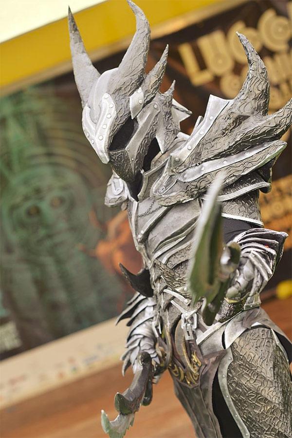 Skyrim Dovahkiin Daedric Armor Cosplay