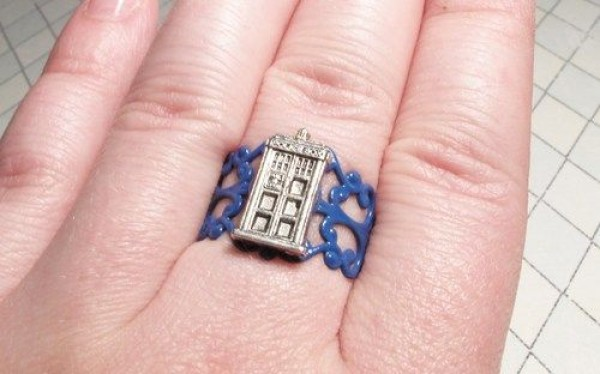 Doctor Who TARDIS Ring pic Global Geek News