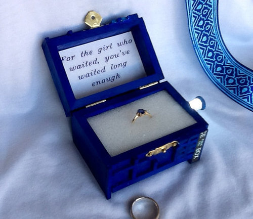 The Tardis Engagement Ring Box For The Girl Who Waited Pic
