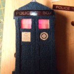 Light-Up TARDIS Lapel Pin Changes Colors [pic]