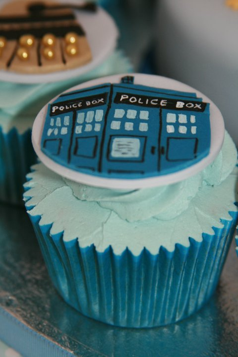 Doctor Who TARDIS Cupcake