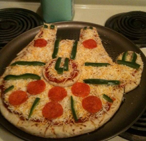 Star Wars Millennium Falcon Pizza