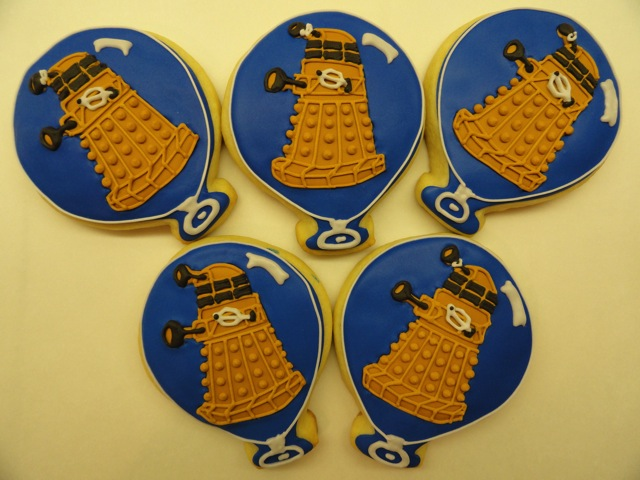 Balloon Dalek Cookies